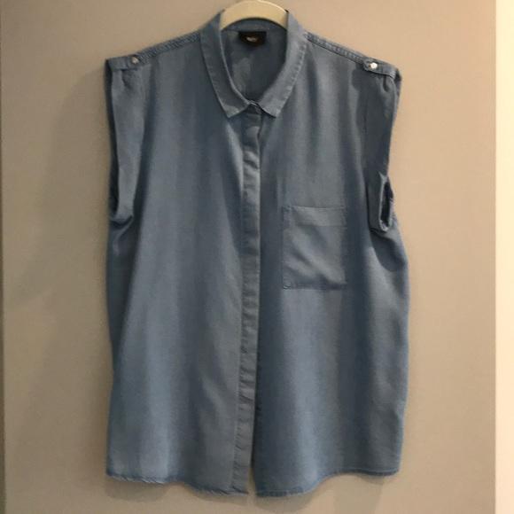 3bce86ba3f Sleeveless denim shirt. M 5ac14f6385e6055fb8afb49e